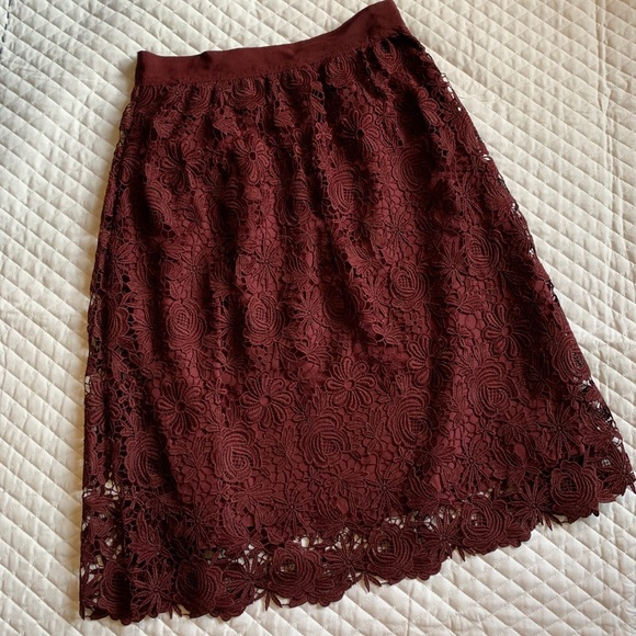 Ann Taylor Dresses & Skirts - Ann Taylor Burgundy Lace Midi Skirt